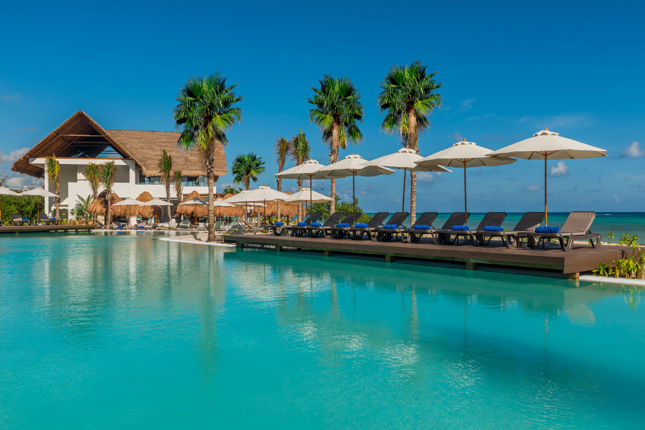 Paradise Beach Hotel Contact Number